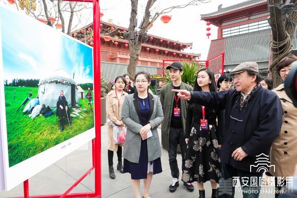 火狐电竞-青年摄影家朱家莹:用镜头洞察世界,以态度致敬时代  第2张