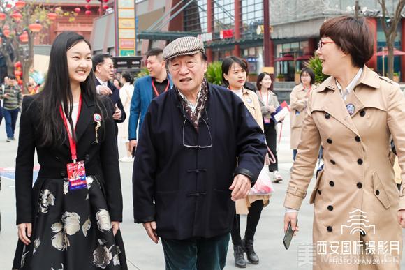 火狐电竞-青年摄影家朱家莹:用镜头洞察世界,以态度致敬时代  第3张